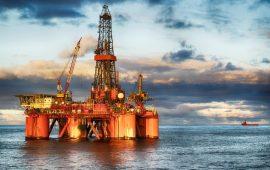 أسعار النفط اليوم تهبط لكن خفض الإمدادات يحد من الخسائر