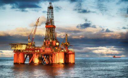 النفط يتحول للهبوط مع مخاوف من تقلص الطلب العالمي بسبب التوترات التجارية