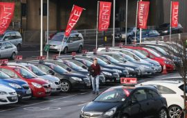 تراجع مبيعات السيارات البريطانية يشير إلى تباطؤ إقتصاد بريطانيا