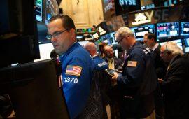 الأسهم الأمريكية تحافظ على مكاسبها وسط ترقب التطورات التجارية