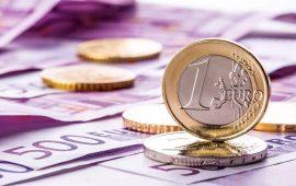 اليورو ينخفض مع مخاوف من تباطؤ إقتصاد منطقة اليورو