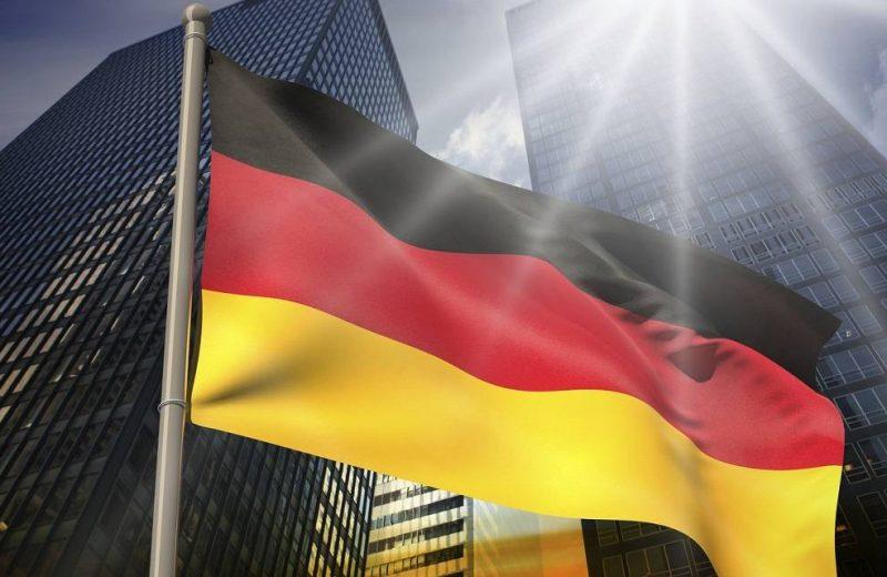 اليورو يعمق خسائره مع تراجع ثقة الاقتصاد الألماني
