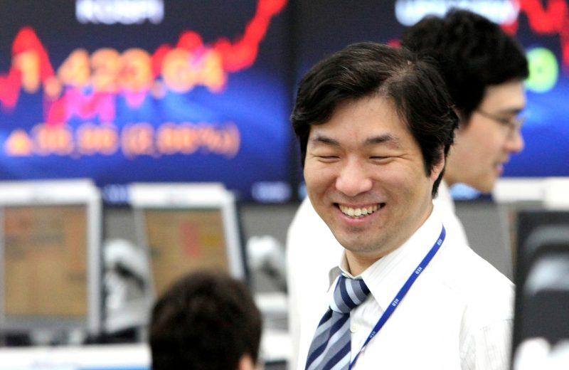 الأسهم الآسيوية تحقق ارتفاعا هاما مع تأجيل زيادة التعريفات الجمركية