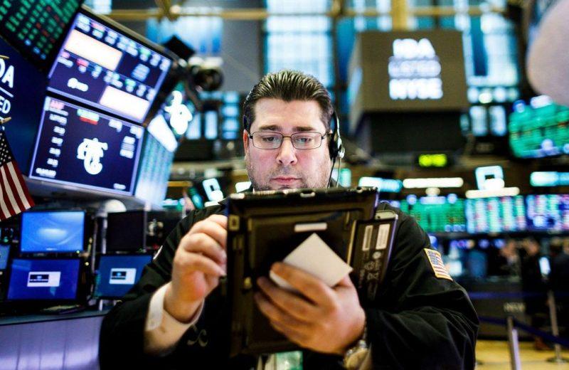 الأسهم الأمريكية تفتتح مرتفعة مع تقدم المحادثات التجارية