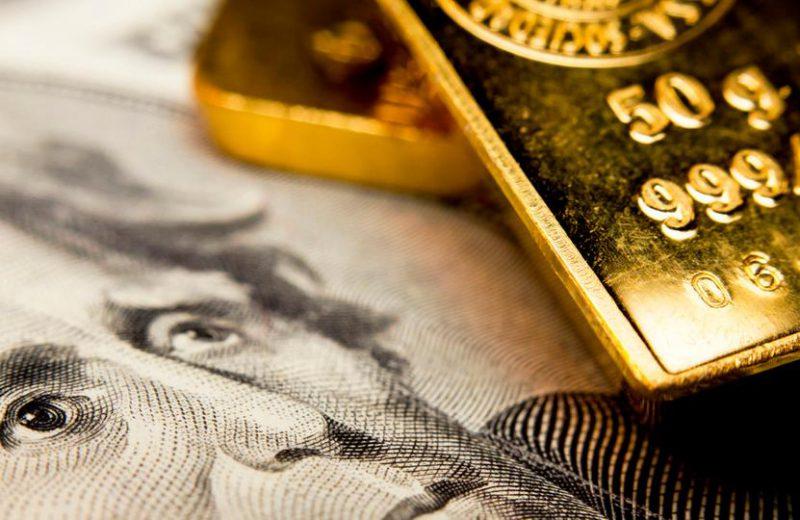 الذهب يستقر فوق 1400 دولار في انتظار مبيعات التجزئة الأمريكية