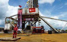 تراجع النفط بنسبة 2.6 ٪ مع عودة منصات النفط الأمريكية الخليجية للعمل