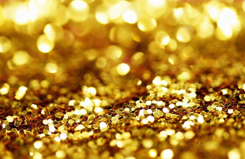 الذهب يتحول للهبوط لكنه يتجه لتحقيق مكاسب أسبوعية