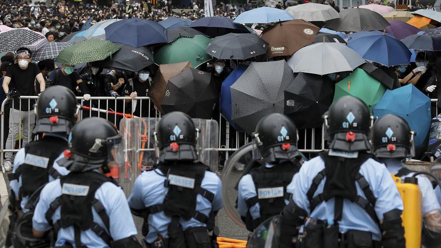 تراجع الأسواق الآسيوية ومؤشر هانغ سنغ يسجل هبوطا حادا بسبب الاحتجاجات بهونج كونج