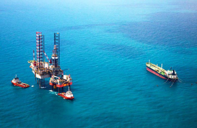 ما الذي دفع أسعار النفط للهبوط مجددا ؟