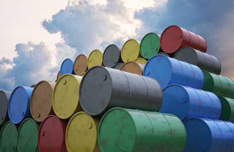 إمدادات النفط الأمريكية تستمر في الارتفاع