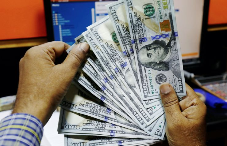 الدولار مستقر وسط توقعات بتغيير سياسة بنك الاحتياطي الفيدرالي