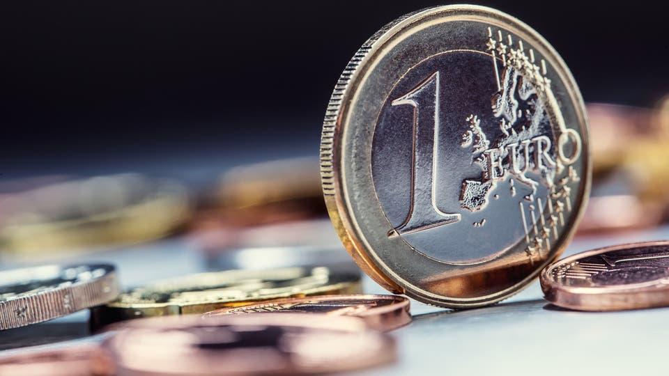 اليورو يسجل هبوطا حادا اثر تراجع رهانات خفض الفائدة الأميركية