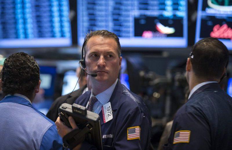 مؤشر داوجونز يفقد 100 نقطة بعد تقرير الوظائف القوي
