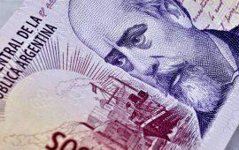 عملة الأرجنتين تشهد موجة بيعية حادة والبنك المركزي يتدخل لانقاذ العملة
