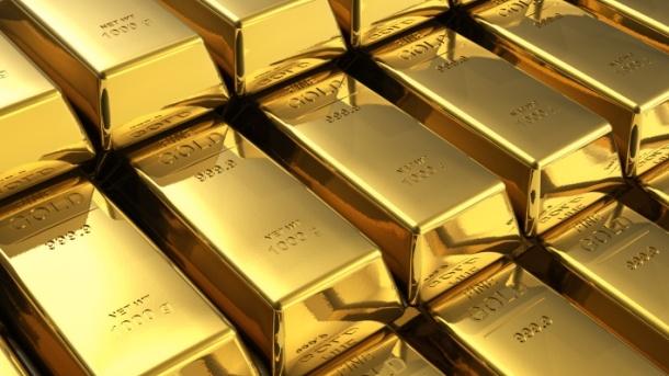 الذهب يرتفع بالقرب من أعلى مستوياته في شهر مع تقلص الطلب على الملاذ الآمن