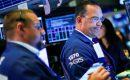 الأسهم الأمريكية ترتفع بالرغم من انعكاس منحنى عائد السندات