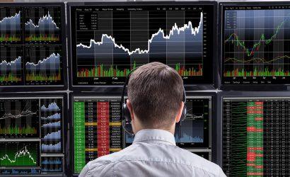 الأسهم الأوروبية تنهي تعاملات الأسبوع مرتفعة بدعم من قطاع البنوك