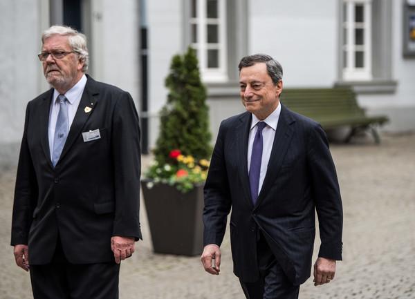دراجي أنقذ اليورو لكنه ترك البنك المركزي الأوروبي منقسما