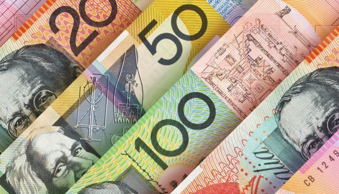 آمال التجارة تدعم صعود الدولار وخفض سعر الفائدة يضغط على الأسترالي