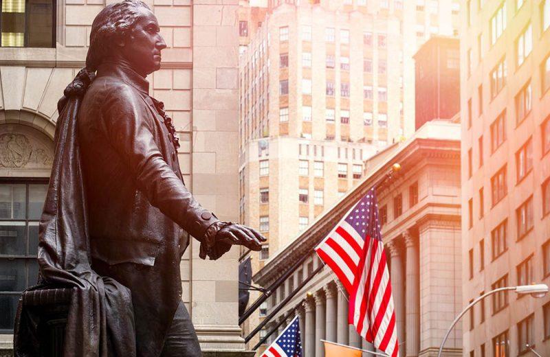 الدولار الأمريكي يرتفع مع تسارع نمو الإقتصاد الأمريكي بنسبة 1.9٪ في الربع الثالث