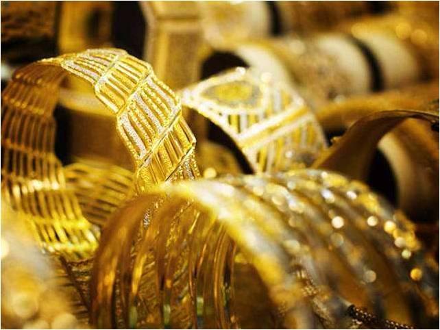 الذهب يدخل عام 2020 بأسعار قياسية مرتفعة للعام الجديد مع هبوط الدولار وارتفاع الدين العالمي